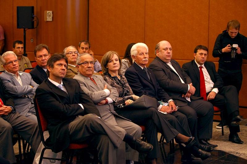 Gleisi participa de seminário da Fetranspar