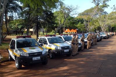Governador entrega viaturas e homologa licitação para quartel na região de Londrina