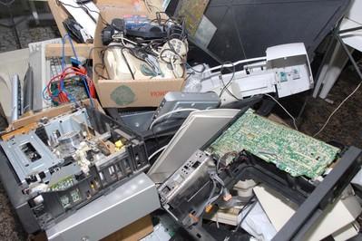 Paraná em Ação em Palotina arrecada lixo eletrônico para oficinas de robótica