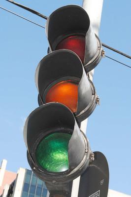 Copel troca 35 mil lâmpadas em 12,7 mil semáforos de dez municípios –