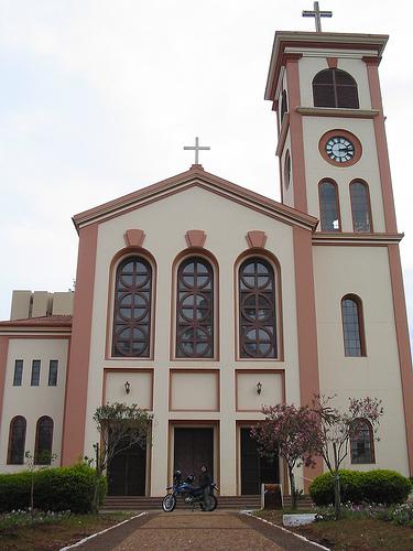 O Portal Cambé em parceria com a TV Cambé passa a Transmitir a Santa Missa