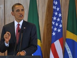 Obama autoriza, no Brasil, uso da força militar contra Khadafi