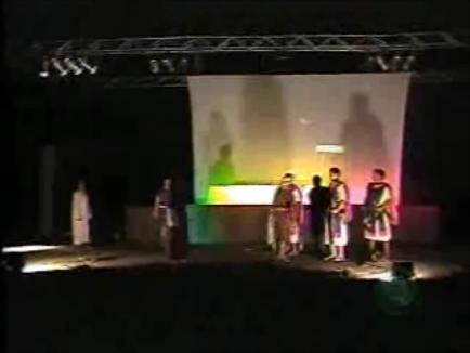 Grupo de Teatro Rota 33 reproduziu em Cambé a Paixão de Cristo.