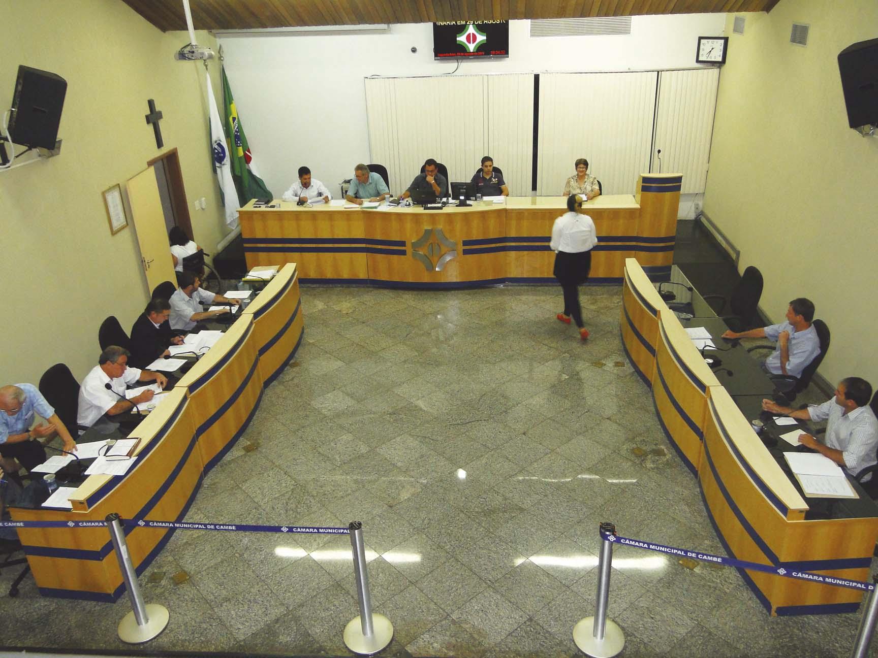 Vereadores fazem quatro pedidos de informações ao prefeito