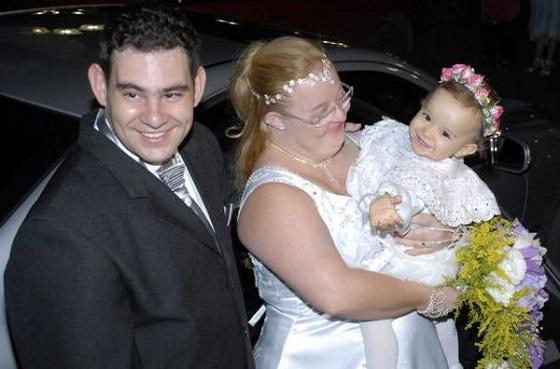 Três anos após dar à luz, mãe portadora de síndrome de down revela detalhes de seu dia a dia