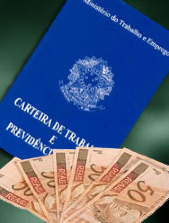 Governo anuncia novo salário mínimo de R$ 622,73 ao Congresso Nacional