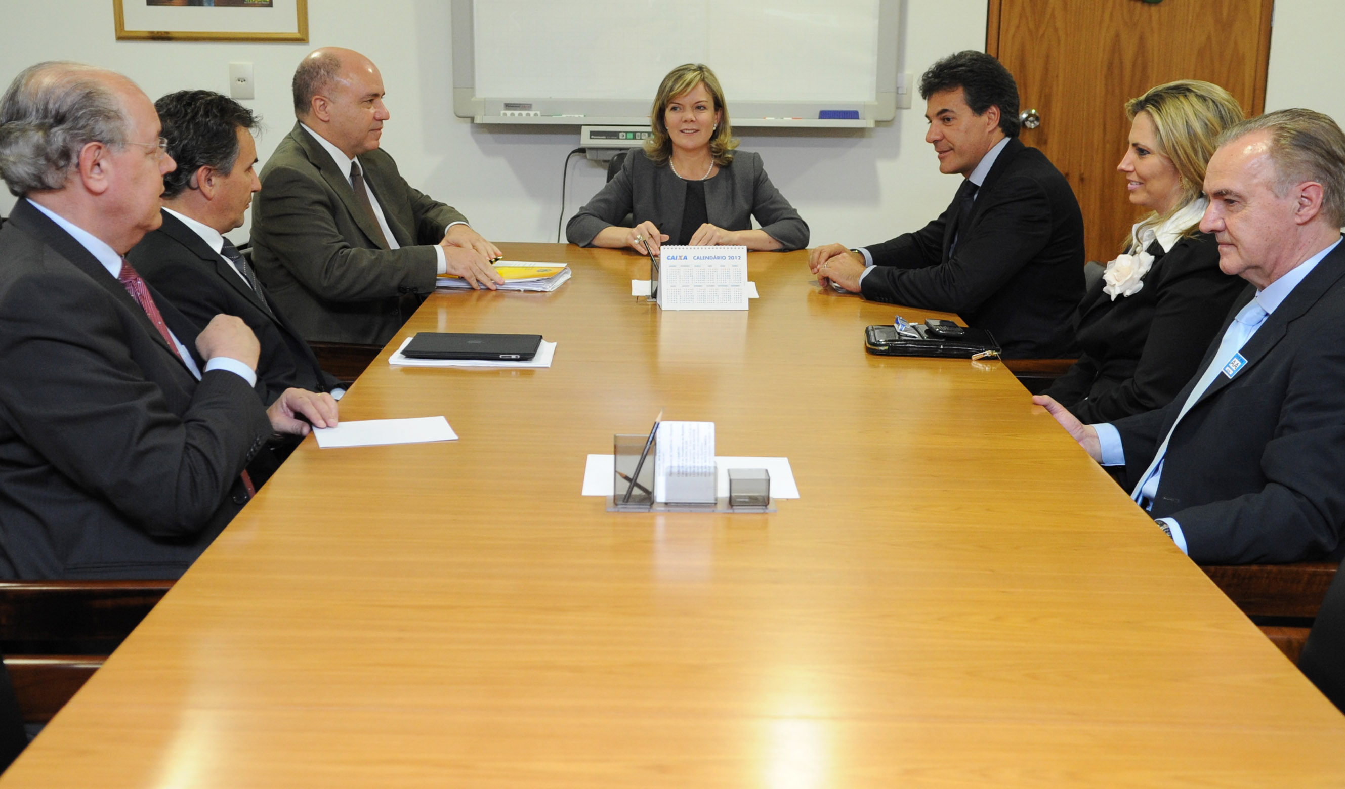 Gleisi recebe Beto Richa para tratar de parcerias do governo federal com Paraná