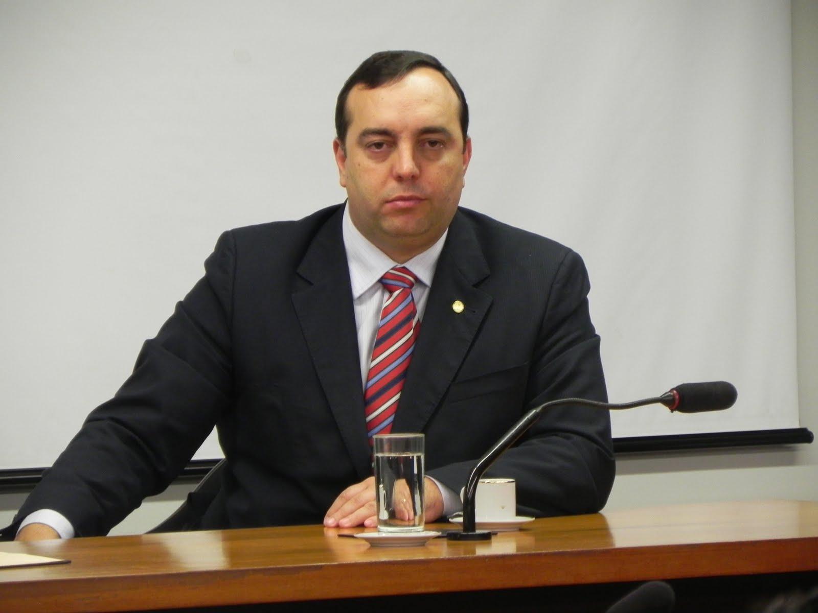Deputado quer transformar corrupção em crime hediondo