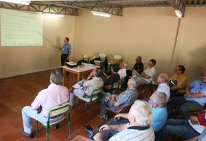Reunião orienta produtores sobre devolução de agrotóxicos