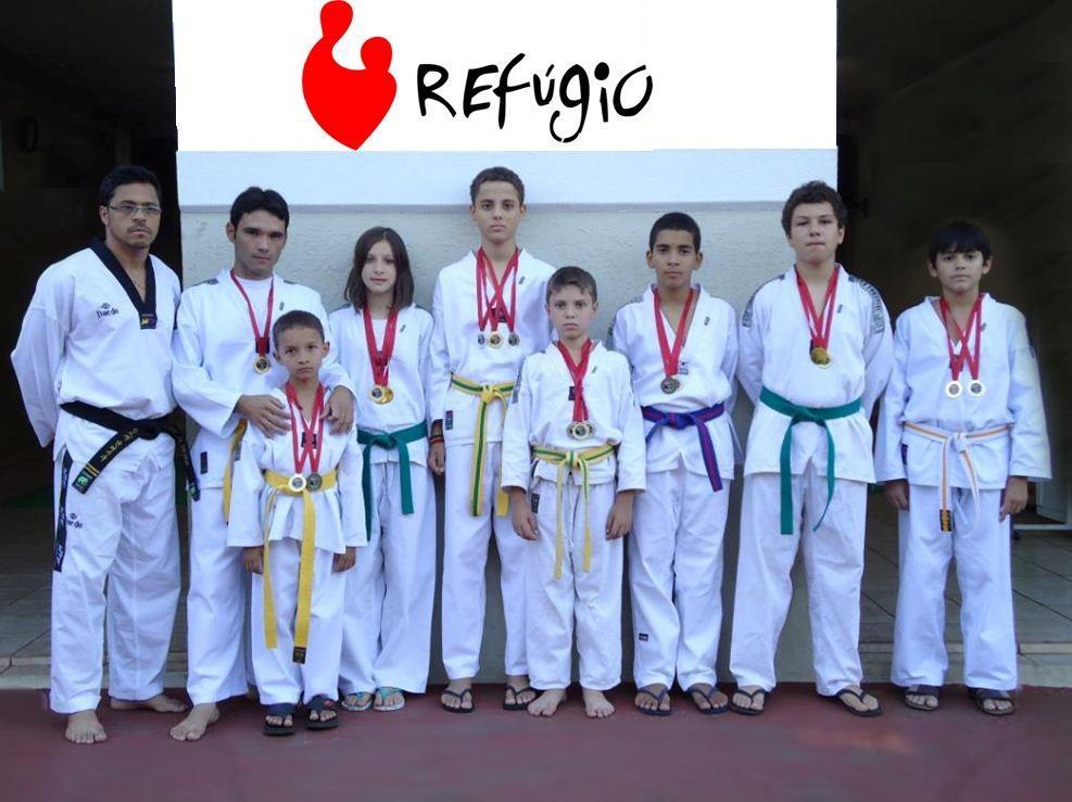 Associação Cambé de Taekwondoo da Comunidade Refúgio do Jardim Ana Rosa esteve representando a cidade de Cambé na 29º Copa NorteParanaense de Taekwondo realizada em Jacarezinho Pr