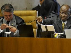 Barbosa afirma que houve compra de votos no Congresso e sinaliza condenação de vários dos réus da etapa atual
