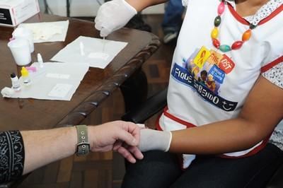 Paraná oferece teste rápido e gratuito de HIV, sífilis e hepatites