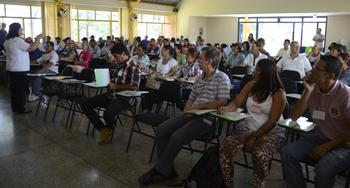 Servidores de Cambé colam grau em gestão pública
