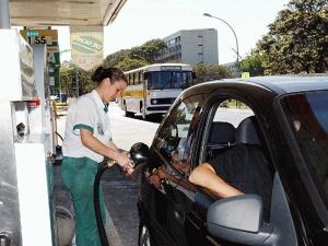 Governo aumenta quantidade de etanol na gasolina