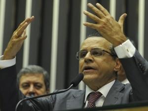Novo presidente da Câmara defende autonomia do Legislativo em discurso de posse
