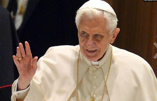 Papa Bento XVI vai renunciar ao pontificado em 28 de fevereiro