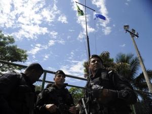 Polícia ocupa conjunto de favelas no Rio sem tiros