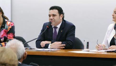 Deputado Marco Feliciano pede desculpas por possíveis ofensas a homossexuais e a negros