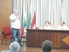 O presidente da Câmara Elizeu Vidotti participou ontem (11) do Ato Público contra a PEC 37, que retira do Ministério Público o poder investigatório na área criminal. A manifestação foi realizada no auditório do Sindicato do Comércio Varejista de Londrina (Sincoval).