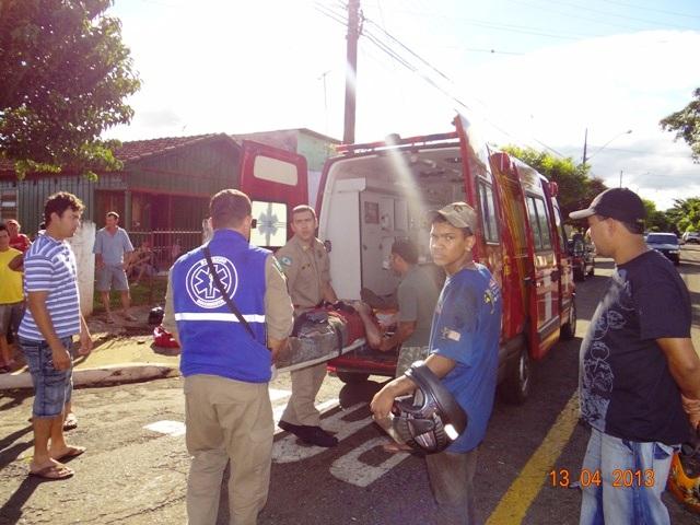 Dois menores em motocicleta causam acidente no Jardim Santo Amaro em Cambé