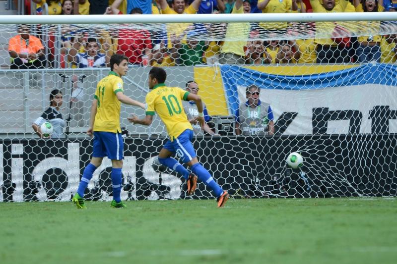 Brasil vence o Japão por 3 a 0 no primeiro jogo da Copa das Confederações