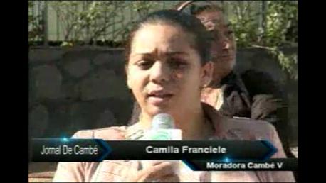Cerca de 15 Mulheres realizaram protesto na frente da Prefeitura de Cambé (Vídeo)