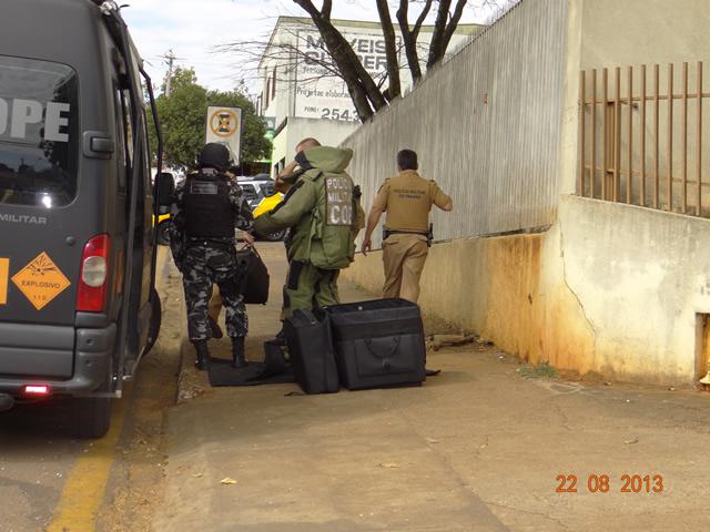 Suposta bomba na delegacia de Cambé era na verdade um toca CD