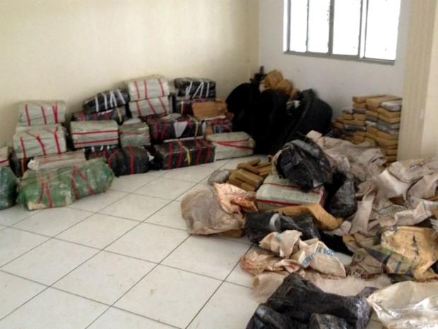 Casa em Foz do Iguaçu era usada como depósito de drogas, diz polícia