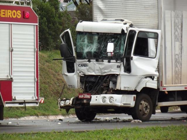 Motorista de Caminhão fica em estado grave após acidente na BR 369 em Cambé