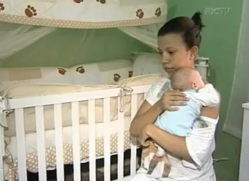 Bebê nasce sem sexo em Cambé e pais não conseguem registrá-lo