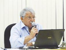 O vereador Elizeu Vidotti, presidente da Câmara, diz que além de estar errado o não cumprimento do artigo 17 o impedia de exercer os direitos de representante do povo