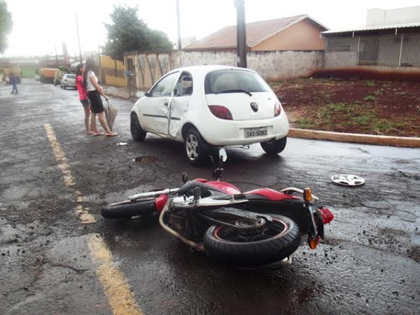 Acidente auto x moto no Jardim União
