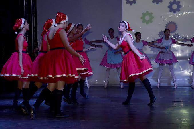 Espetáculo de Ballet da FUNCAC lota Ginásio de Esportes João de Deus