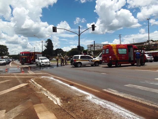 Acidente entre dois automóveis registrado na BR 369 em Cambé