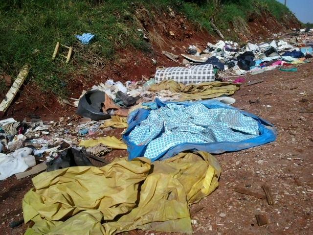 Mata do Jardim Ana Rosa volta a ser usado como descarte de lixo em Cambé (Vídeo)