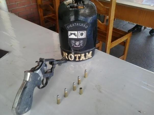 Rotam de Cambé apreende arma de fogo após denuncias de disparo em via pública