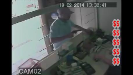 Polícia de Cambé divulga imagens de assaltante que vem agindo na região