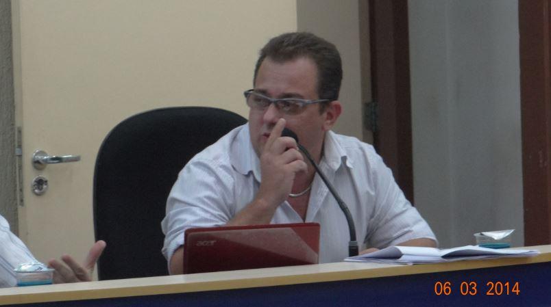 Vereador Conrado Scheller explica a retirada dos projetos da pauta de votação