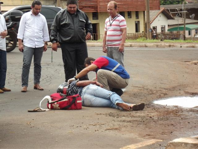 Homem fica ferido em acidente na Av. Roberto Conceição em Cambé