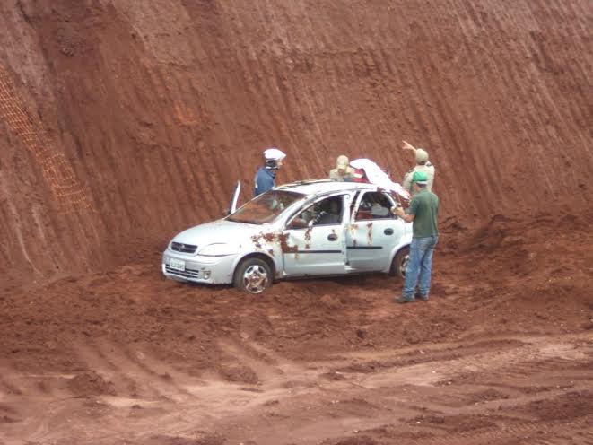 Acidente entre dois carros deixa mulher ferida na BR 369 em Cambé