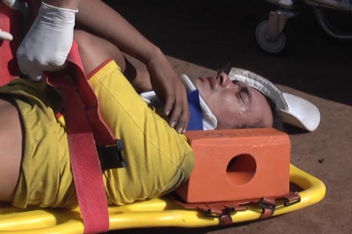 Capotamento deixa homem ferido na Av. Roberto Conceição em Cambé