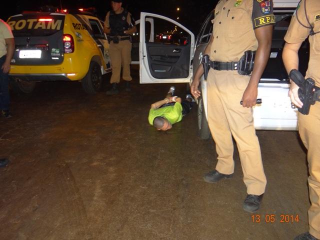 Após troca de tiros Rotam de Cambé recupera veículo roubado em Londrina