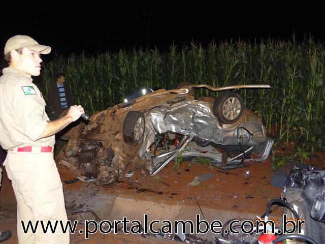 Colisão frontal seguido de capotamento faz vitima fatal na PR 445 em Cambé