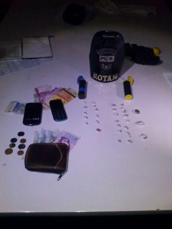 Policia Militar de Cambé apreende drogas no Jardim Ana Rosa
