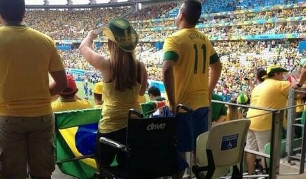 Cadeirantes que se levantaram durante jogos são investigados