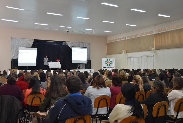 """Secretaria Municipal de Educação e seu """"Plano Político Pedagógico"""""""