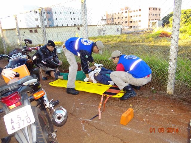 Colisão deixa motociclista ferido em Cambé