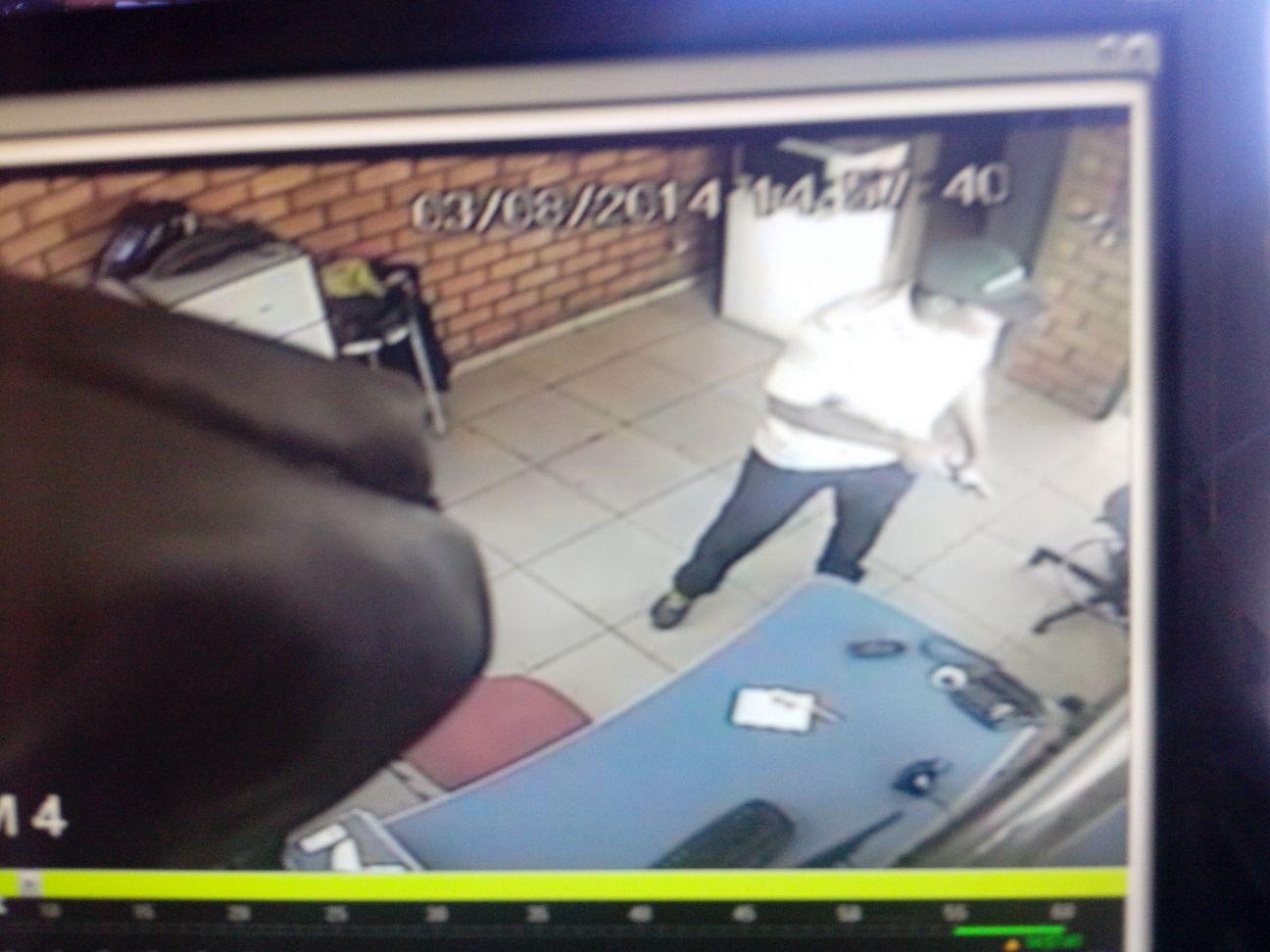Polícia procura suspeito de passar notas falsas em Cambé