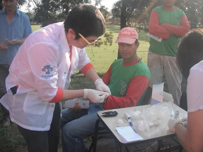 Campanha voltada à saúde do homem leva informação a servidores municipais