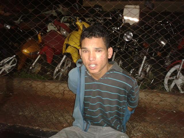 Jovem aniversáriante é preso acusado de roubar carro em Cambé